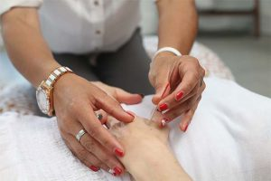 Hand Pain Acupuncture Treatment
